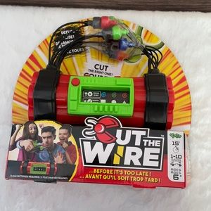 BRAND NEW IN BOX Cut The Wire Game